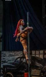 Pole Dancerin Melody buchen
